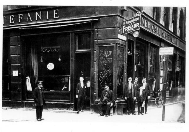 Caf� Stefanie, Munich 1905
